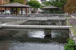西川緑道公園 東屋